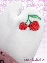 ストレッチワンポイント刺繍足袋すべり止め付★白 さくらんぼ柄 19cm〜20cm