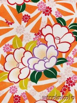 画像3: 小振袖(二尺袖)身丈が短いタイプ ■夢■ 白×オレンジ系/麻の葉・椿柄 [NSYA-3]